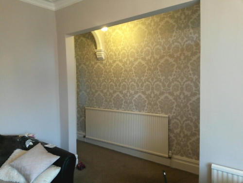 feature wallpapered